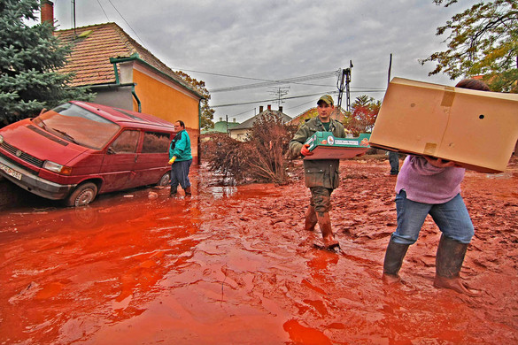 Vörösiszapper: megrázó képeket vetített az ügyész