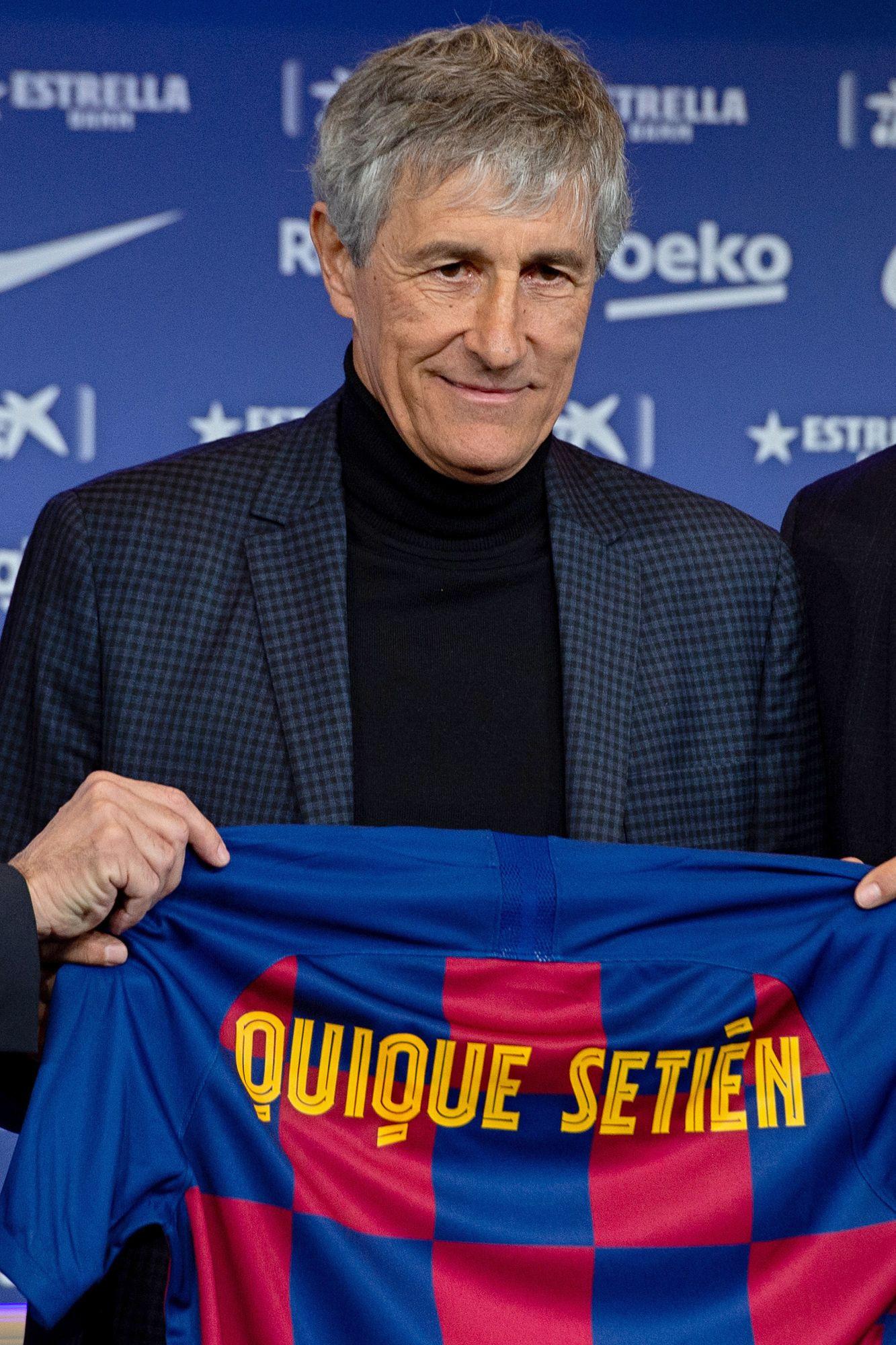 A kötelező kűr, Setién a klub trikójával