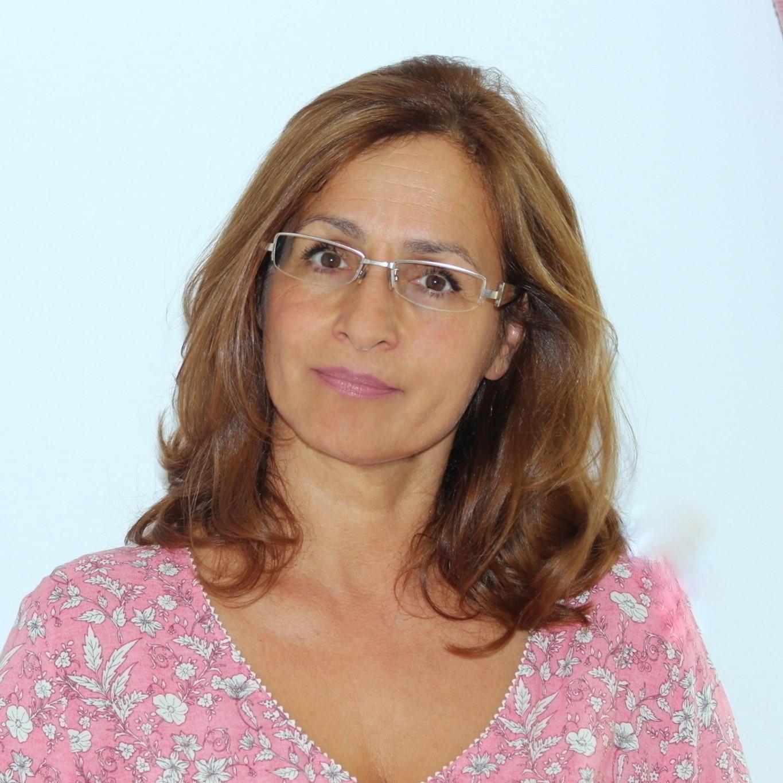 Dr. Benkő Éva rámutatott arra, hogy a kismamák egy ördögi körbe kerülhetnek
