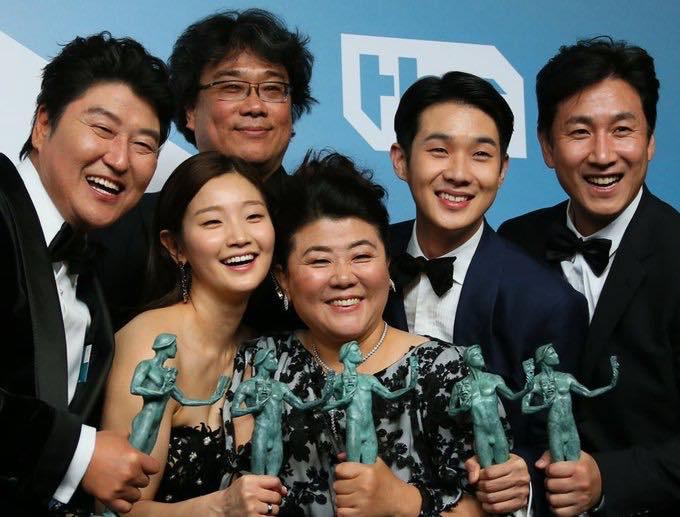 A dél-koreai filművészek bejelentkeztek pár díjért