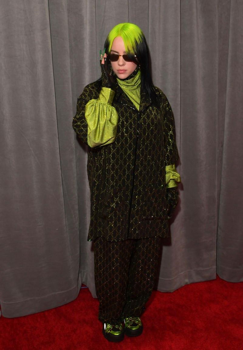 Billie Eilish már 18 éves, de az öltözködési stílusa még nem biztos, hogy kiforrott