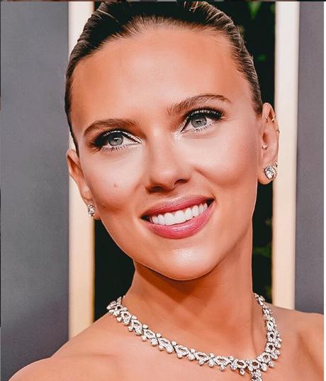 Filléres arckrémekkel szépült a színésznő