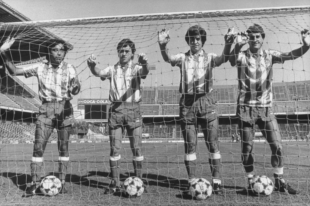 Setién a kép jobb szélén az Atlético játékosaként