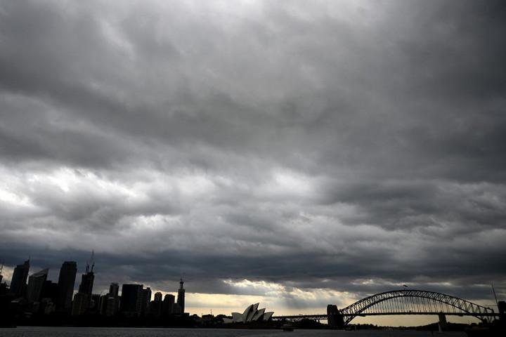 Ausztráliában a heves viharok sem tudtak segíteni a tüzek megfékezésében