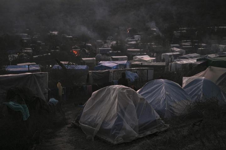 Valószínűleg gyújtogatás történt a Leszbosz szigetén leégett táborban