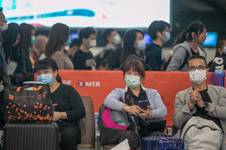 Teljesen lezárják a tömegközlekedést a koronavírus sújtotta Vuhanban