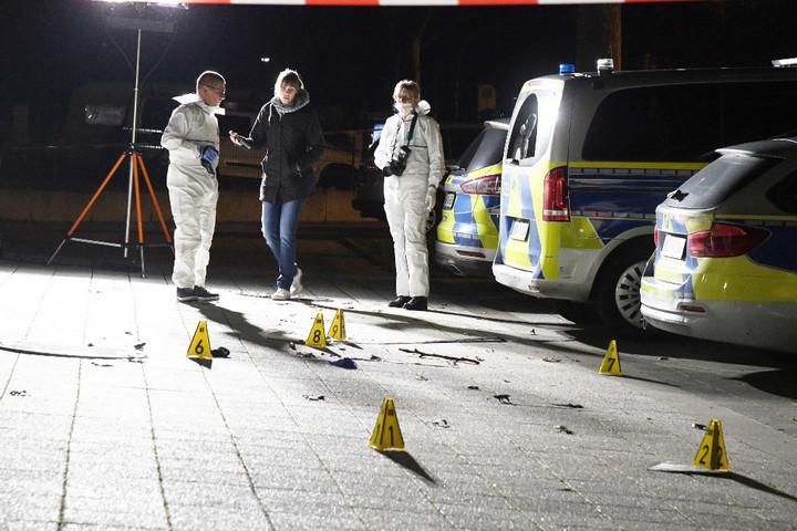 Allahu Akbart kiáltott, majd késsel támadt a német rendőrökre egy muszlim férfi