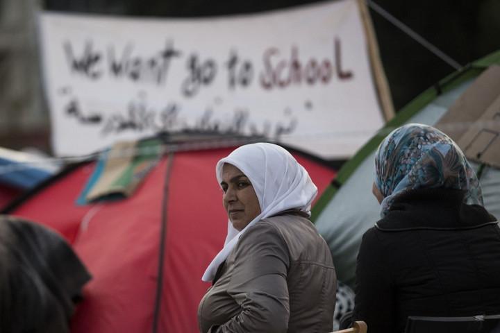 Migránsokat csempészett a szír származású svéd politikus