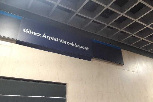 Nem mindenki elégedett a metrómegálló Göncz Árpádra változtatásával