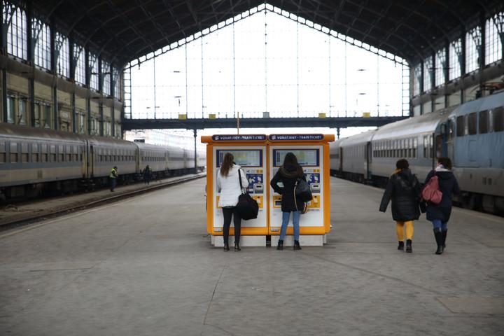 Összesen 375 új jegykiadó automatát üzemel be a MÁV 2020-ban