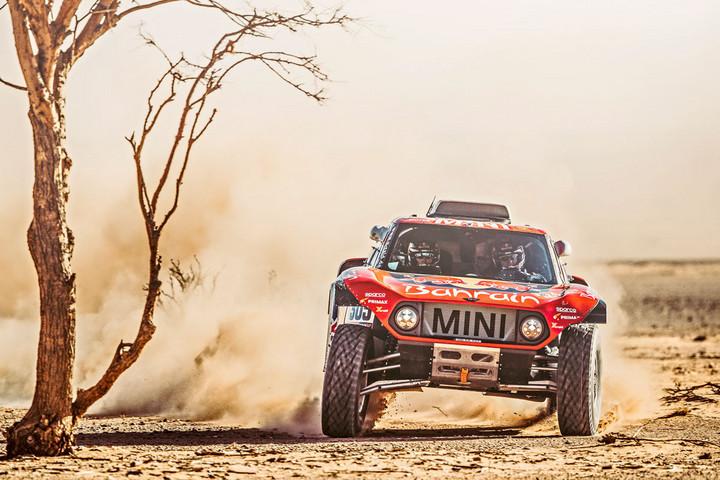 A Carlos Sainz, Lucas Cruz páros vezet a Dakaron