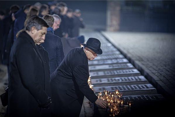 A haláltábor felszabadításának évfordulójára emlékeztek Auschwitzban