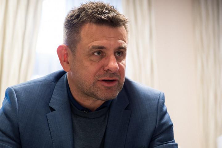 Sólymos László váltja Bugár Bélát a felvidéki Most-Híd élén