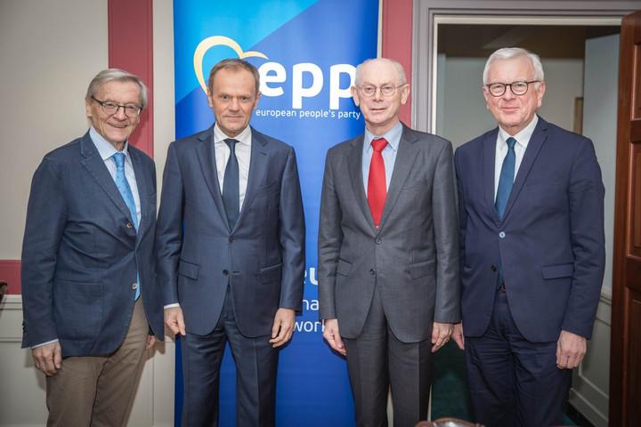 Megosztottak a néppárti bölcsek a Fidesz néppárti tagsága kapcsán