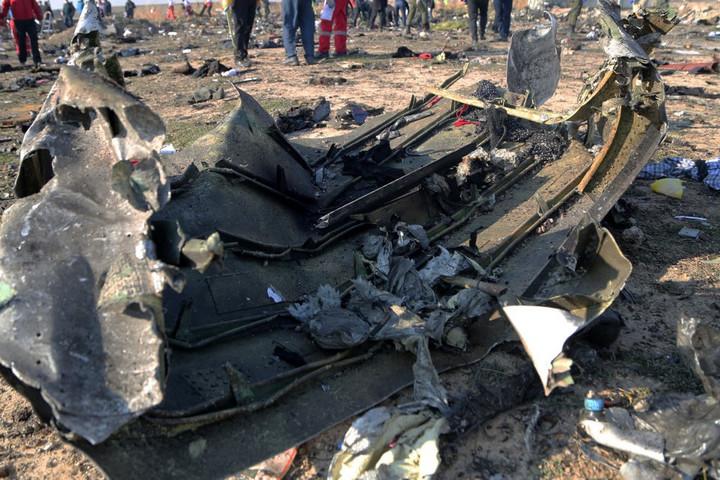 Kártérítést követelnek Irántól az repülőgép-szerencsétlenség áldozatainak országai
