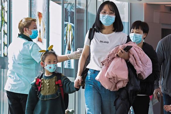 Készültség Kínában: rohamosan nő a fertőzöttek száma