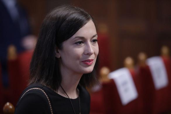 Cseh Katalin hazudott az EU-s pénzekről, cáfolják a céges iratok