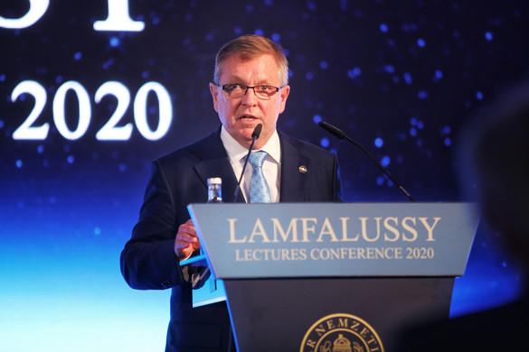 Az eurozóna teljes átalakítását sürgeti Matolcsy György