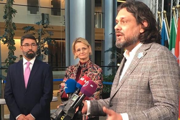 A magyar ellenzék saját hazája ellen politizál a Fidesz képviselői szerint