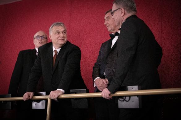 Orbán Viktor is részt vett a felújított prágai Állami Opera megnyitóján