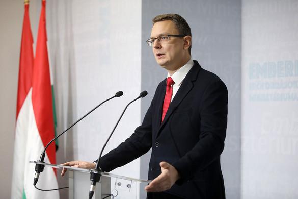 Jövőre 2012 milliárd forint jut egészségügyi célokra