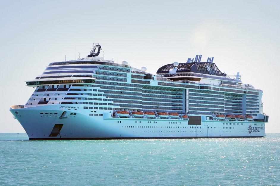 A Meraviglia turistahajó a Karib-tengeren