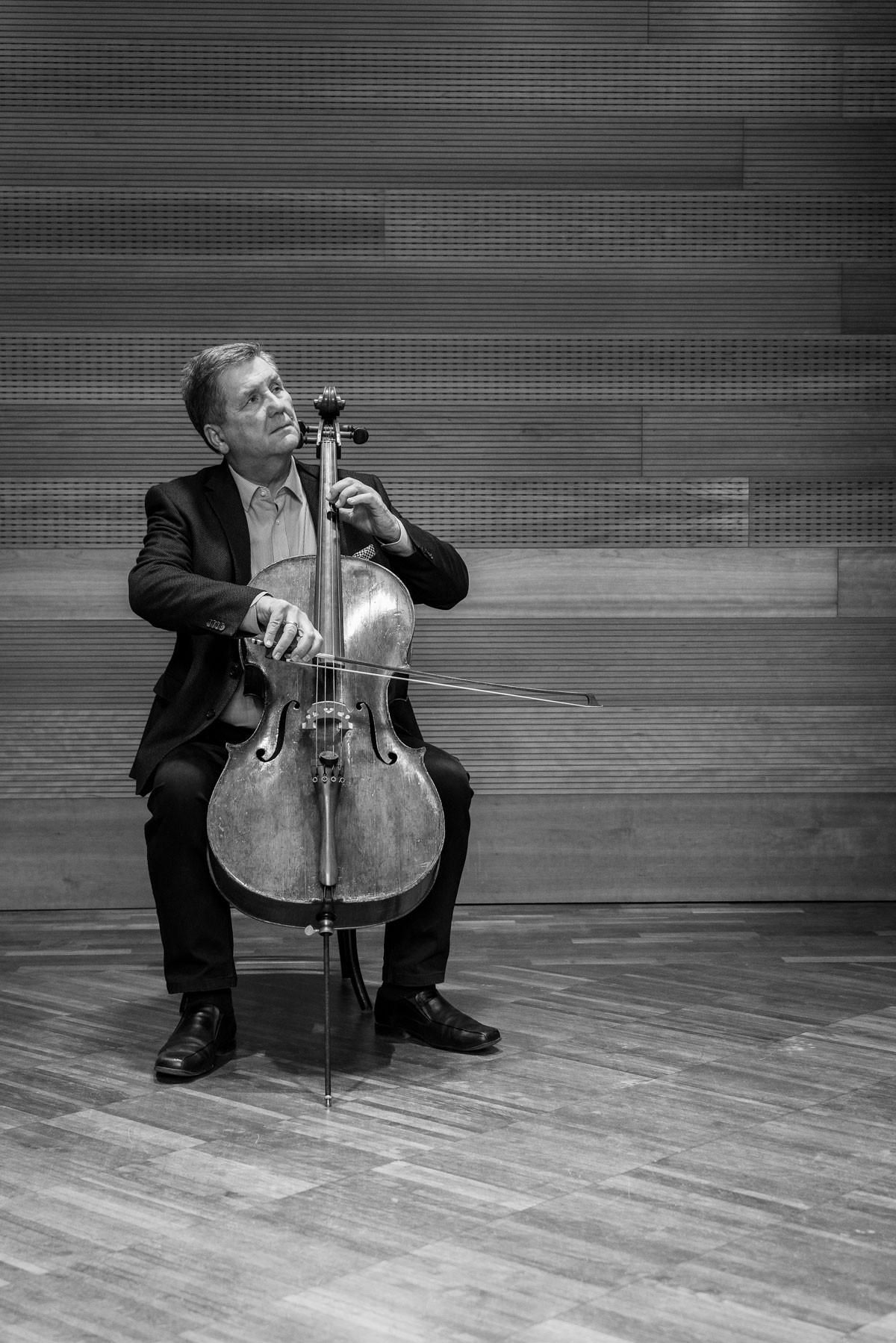 Onczay Csaba: Nem a nagyon tehetséges csellista tanítása a kihívás, hanem akiből ki tudjuk hozni a benne rejlő képességet