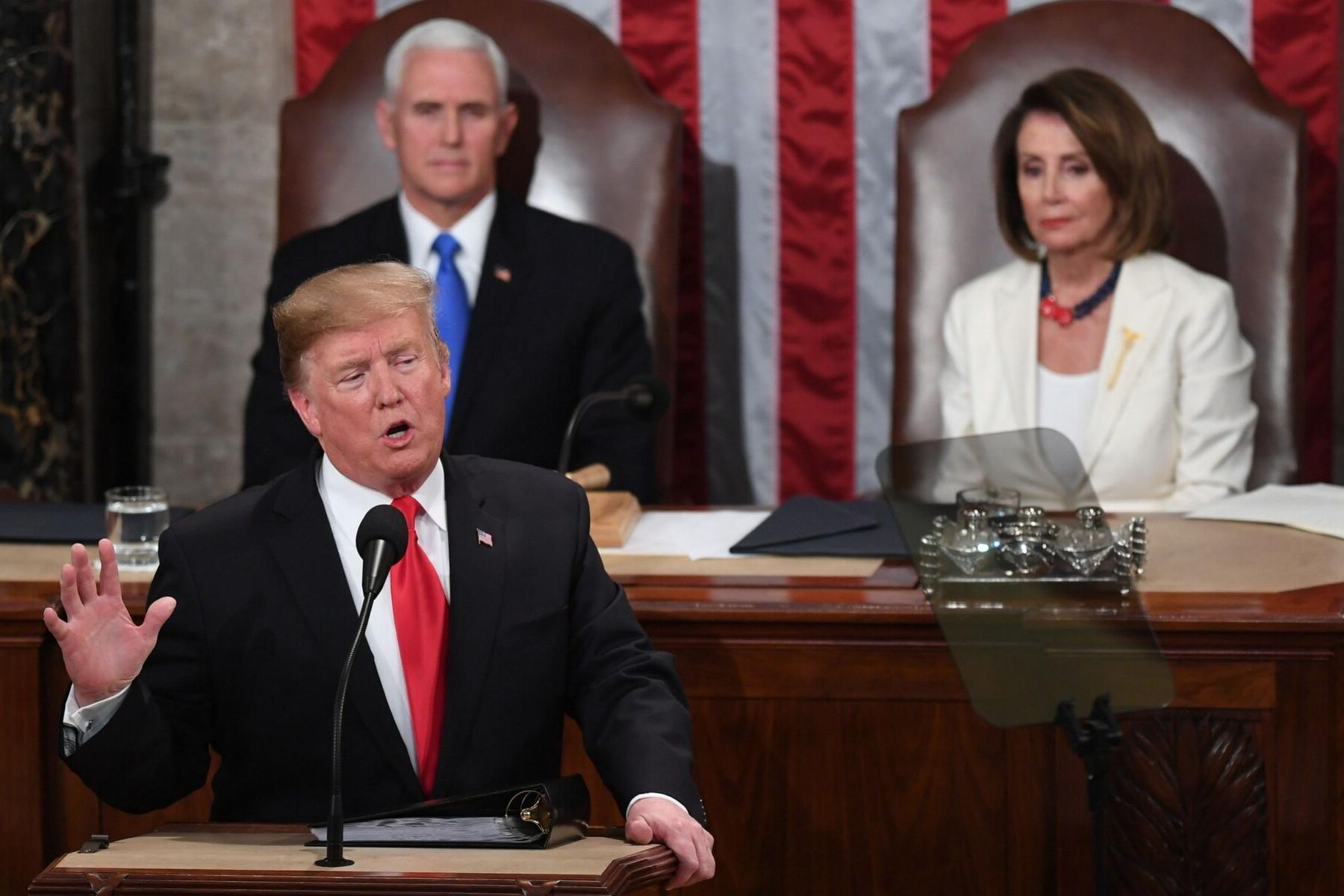 """""""Három rövid év alatt megállítottuk a hanyatlást, és olyan lépésekkel haladunk előre, ami rövid idővel ezelőtt még elképzelhetetlen lett volna"""" - szögezte le Trump"""