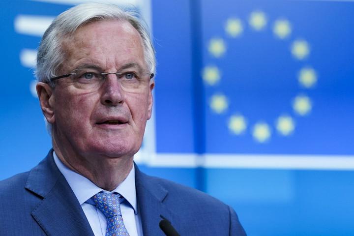 Barnier migrációs moratóriumot vezetne be Franciaországban