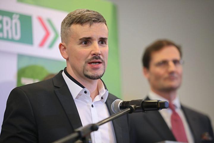 A küszöb alá zuhan a Jobbik