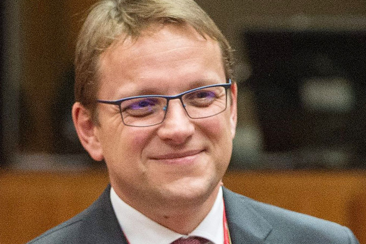 Várhelyi: Az EU segíteni akarja keleti partnereit gazdaságuk megerősítésében