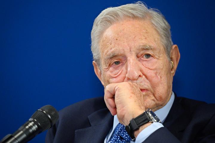 Soros-panaszáradat a magyar kormányra