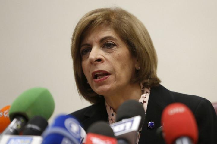 Rákbetegeken gazdagodott meg a korrupciós botrányba keveredett uniós biztos