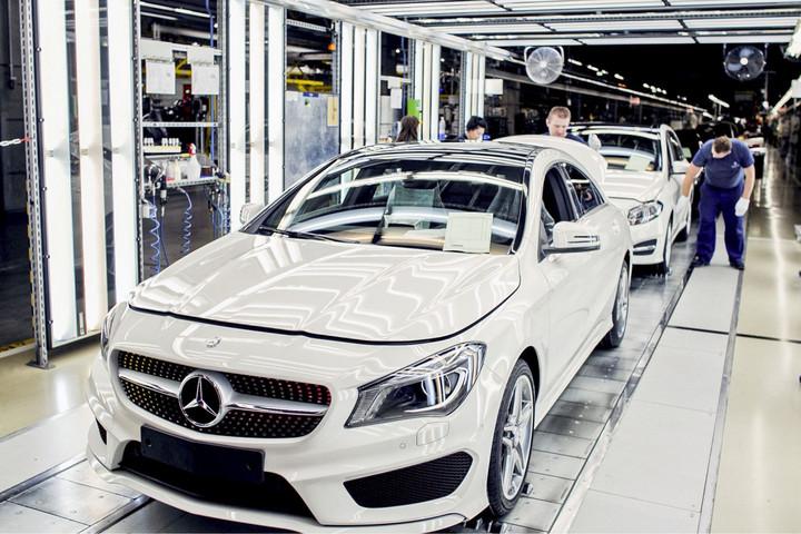Új Mercedesek Kecskemétről