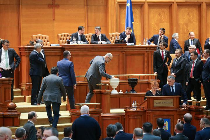 A román szenátus ismét megszavazta a Trianon-törvényt