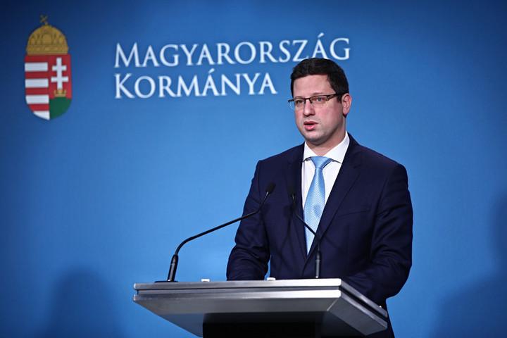 A kormány erős felhatalmazásra törekszik a nemzeti konzultációval