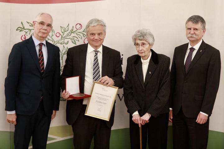 Csókay András kapta a Polgári Magyarországért díjat
