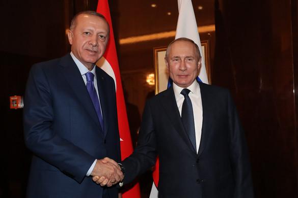 Erdogan és Putyin tárgyalt az észak-szíriai helyzetről
