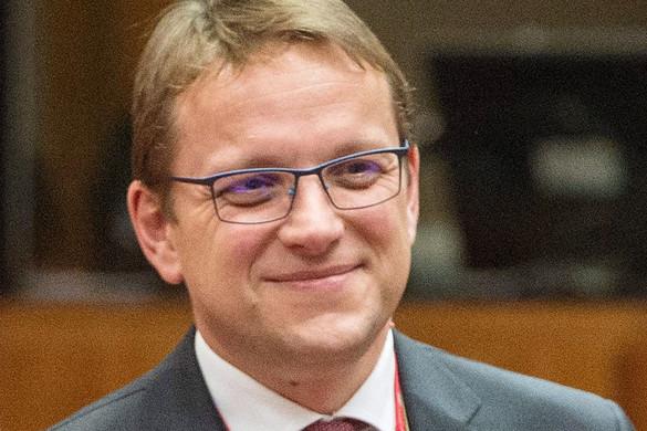 Várhelyi: Az EU-nak stratégiai érdeke, hogy sorait a balkáni országokkal bővítse