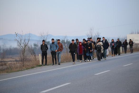 Törökország már nem tudja feltartóztatni a migránsokat
