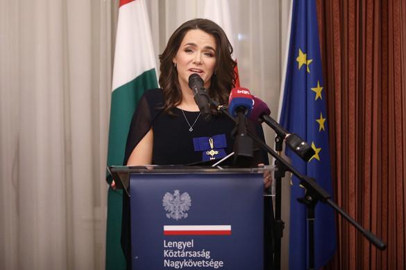 Lengyel kitüntetés Novák Katalinnak