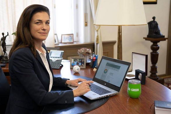 Varga Judit aláírta az SZNT nemzeti régiókról szóló európai polgári kezdeményezését