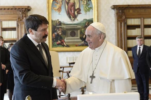 Ferenc pápa négyszemközti audiencián fogadta Áder Jánost