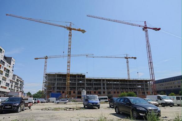 Az építőipar lassulására, akár kivitelezések leállítására is számítani kell