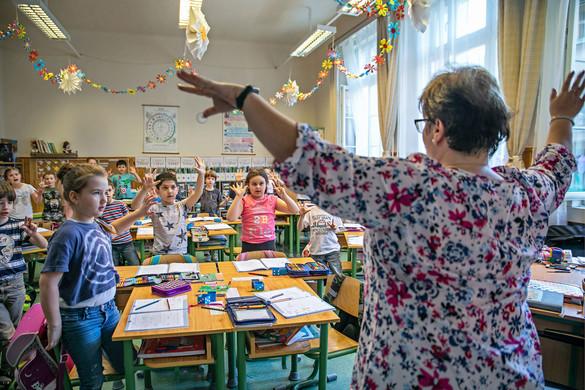 Ösztöndíjjal és iskolatáskával támogatja a külhoni magyar tanulókat a Rákóczi Szövetség