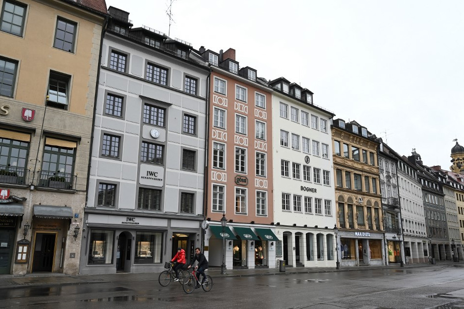 München utcái is kiürültek. Bajorországban szigorú kijárási korlátozásokat vezettek be
