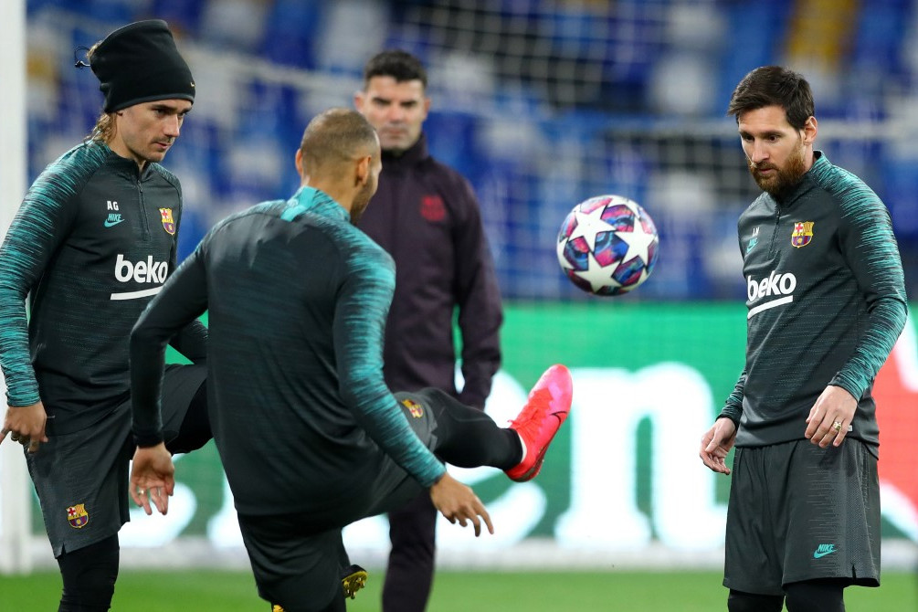 A Barcelona játékosai beleegyeztek, hogy a klubvezetés csökkentse a fizetésüket