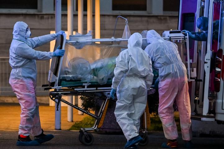 Közel négyszázezer fertőzött van világszerte