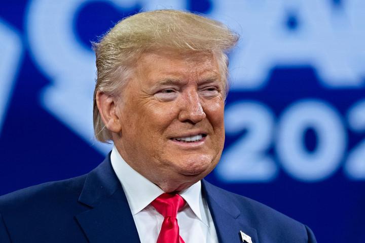 Trump aláírta a közösségi platformok szabályozásáról szóló elnöki rendeletet