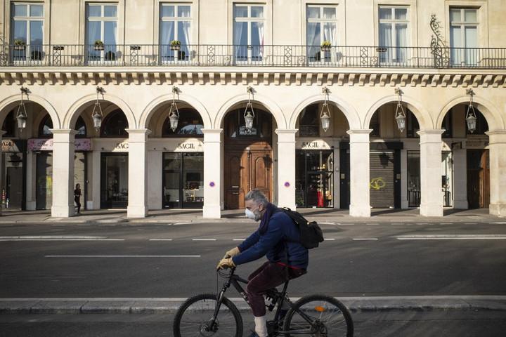Kilencezer fölé nőtt a fertőzöttek száma Franciaországban